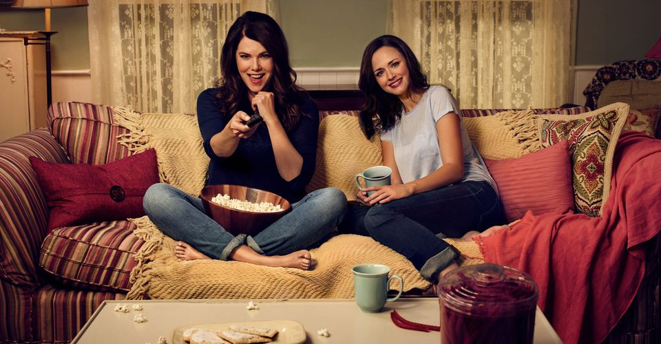 Gilmore Girls Revival Promo Photos Date Night With Mom