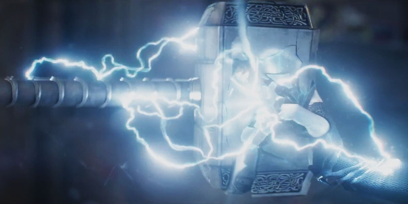 thor misses mjolnir in new ragnarok clip screenrant