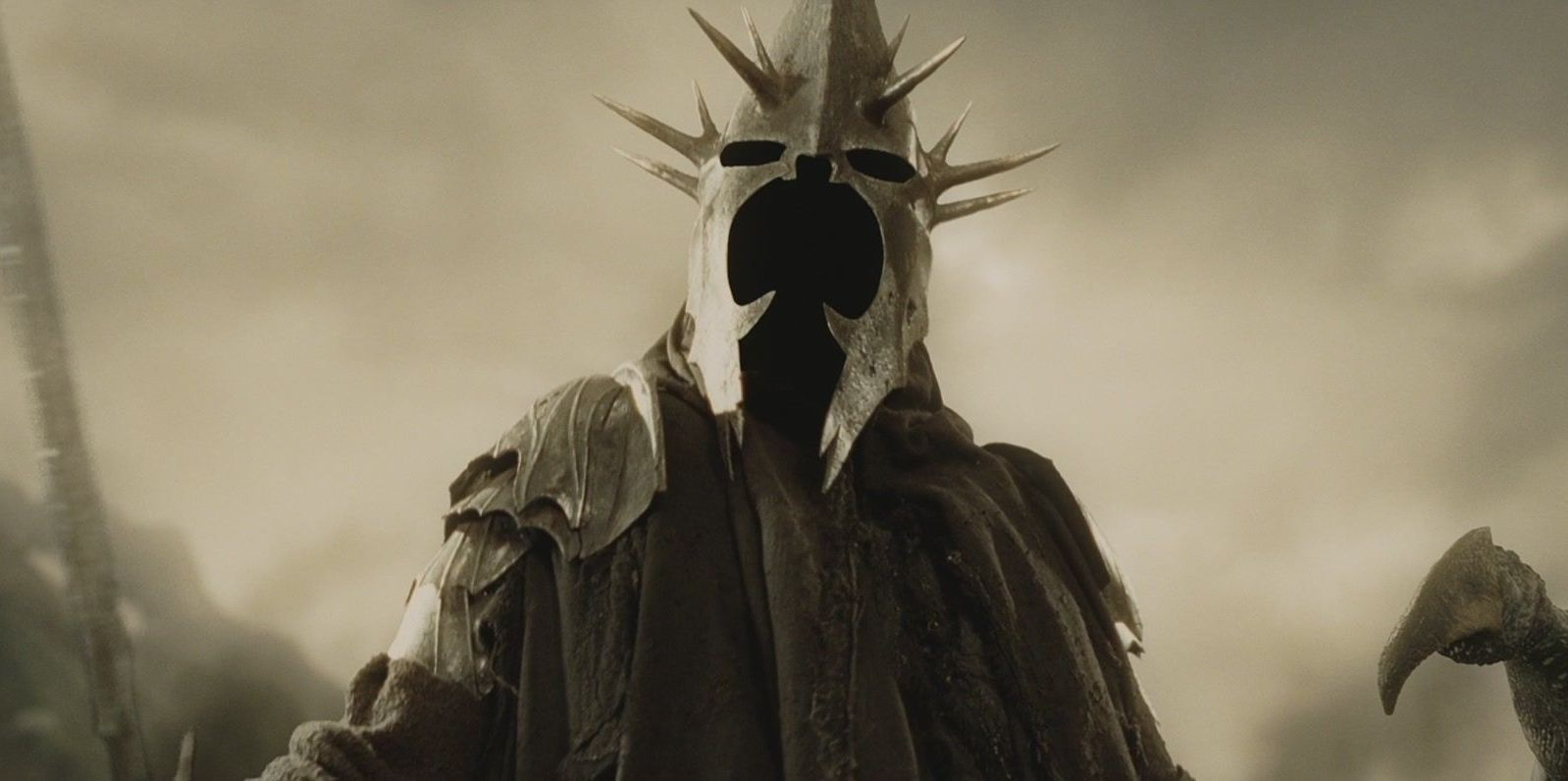 Lord Of The Rings: 20 Strangest Details About Witch-King's Anatomy