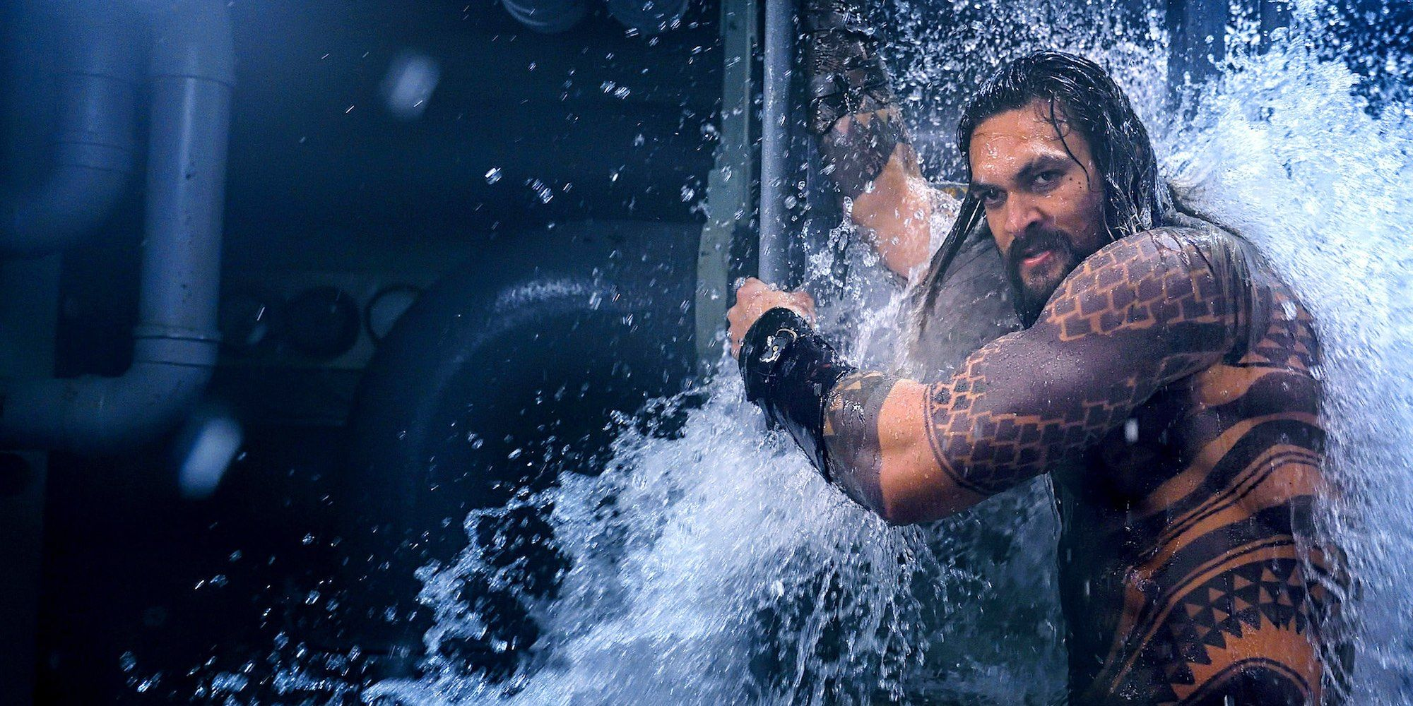 Aquaman Review: DC's Superhero Movie is a Wild & Goofy Ride