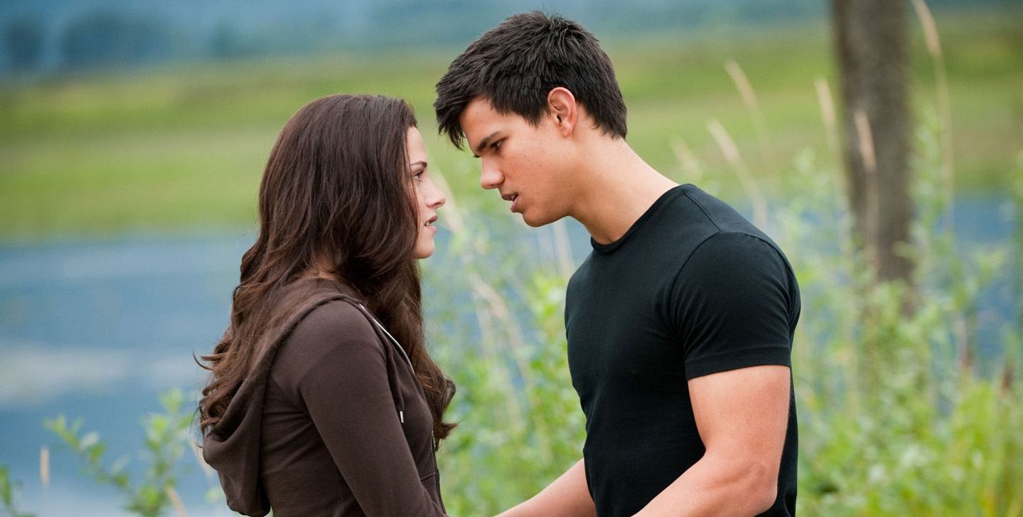 Twilight: 25 Crazy Revelations About Bella and Jacob's Relationship