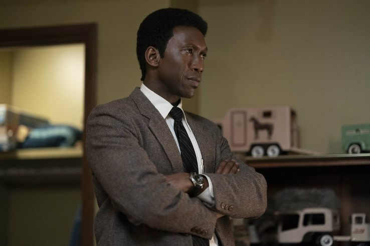 True detective crée par Nic Pizzolatto - Page 10 Mahershala-Ali-in-True-Detective-season-3