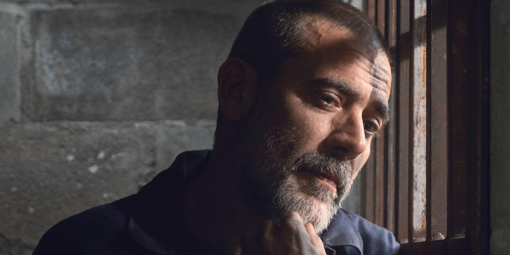The Walking Dead: Walking Dead Midseason Finale Clip Teases Negan's Evolution