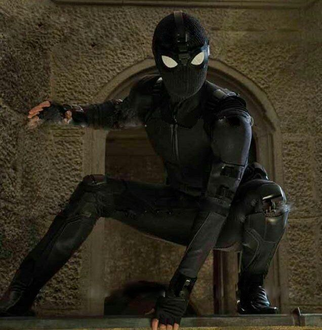 Spider-man : Far From Home - Page 2 Spider-Man-Far-From-Home-Stealth-Suit