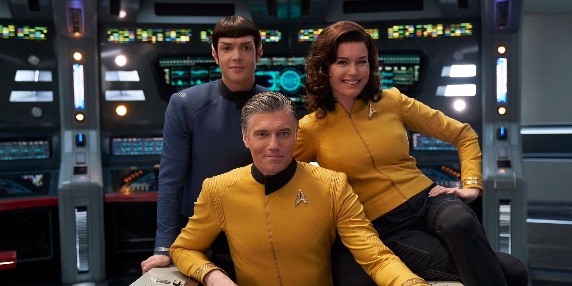 Star Trek: Alex Kurtzman Addresses Potential Discovery Returns of Spock & Pike