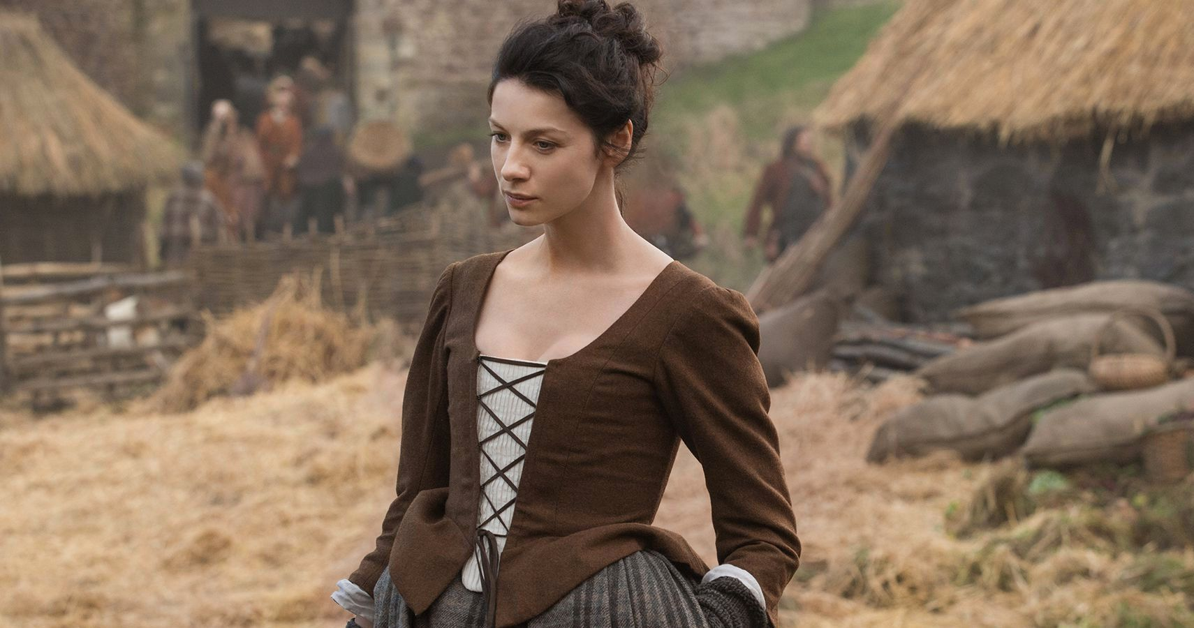 Outlander: 10 Hidden Facts About Claire Only True Fans Noticed