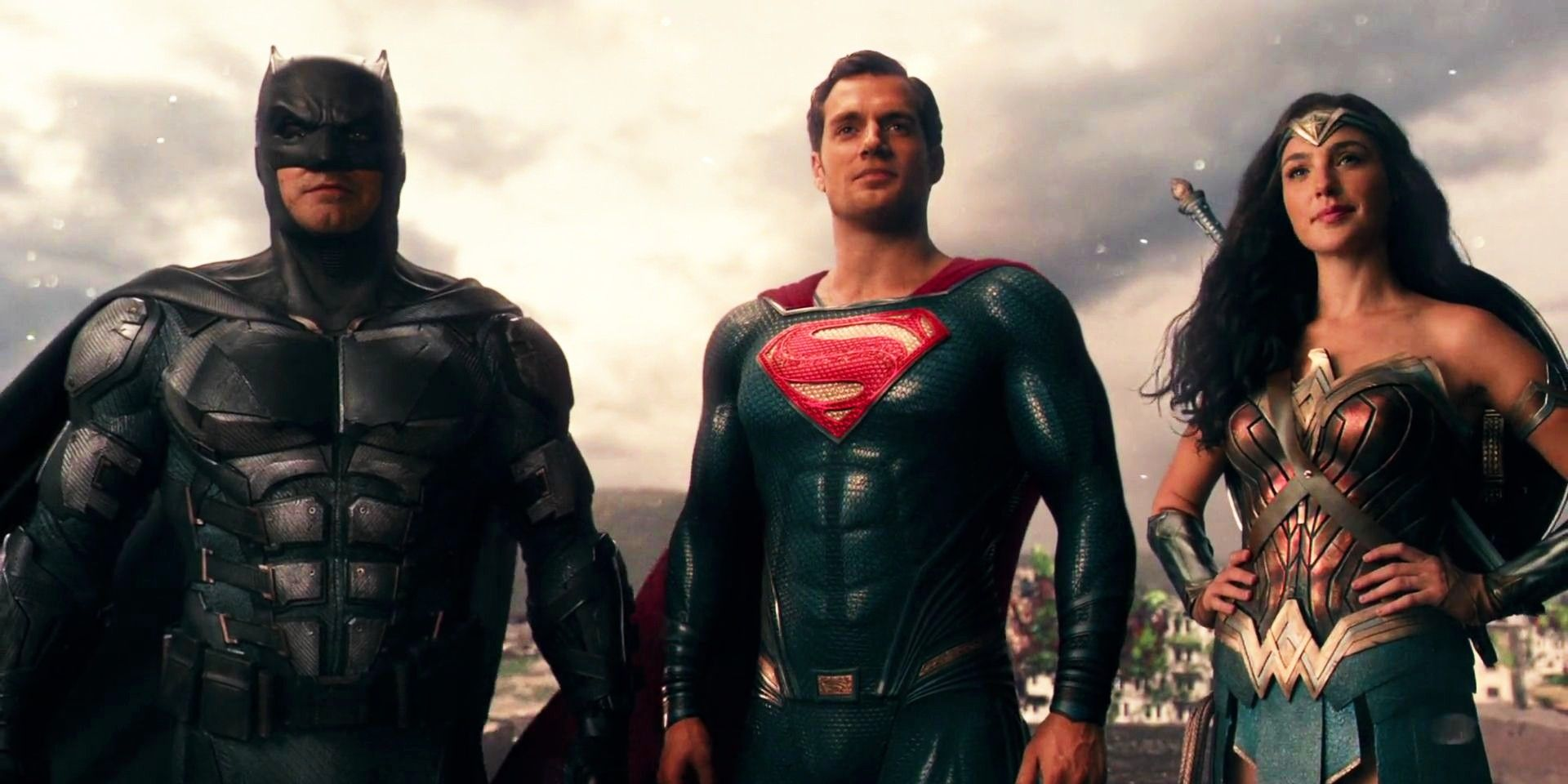 Zack Snyder Hasn't Spoiled Justice League With His Images