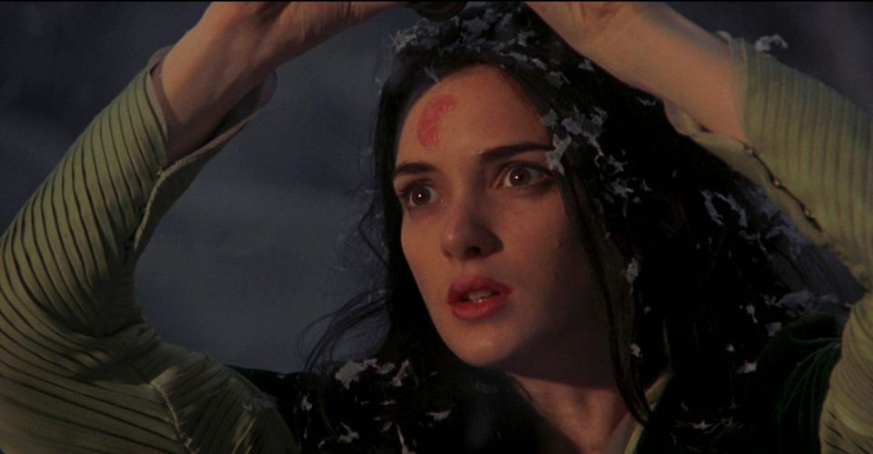 Dracula 1992: Why Winona Ryder Was Integral In Getting The Movie Made