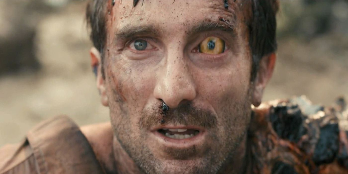 4. District 9 (2009): This movie ended on a cliffhanger and deserved a sequel as the suspense is killing us!